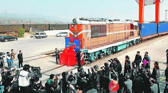 primer transporte ferroviario china españa china madrid convoy 30 contenedores