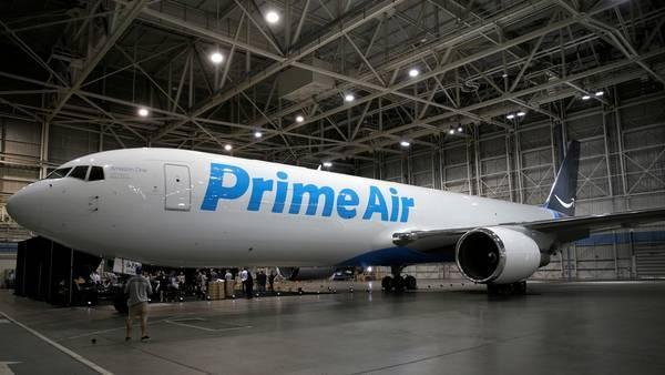 Primer avión de mercancías de la compañía norteamericana / Amazon