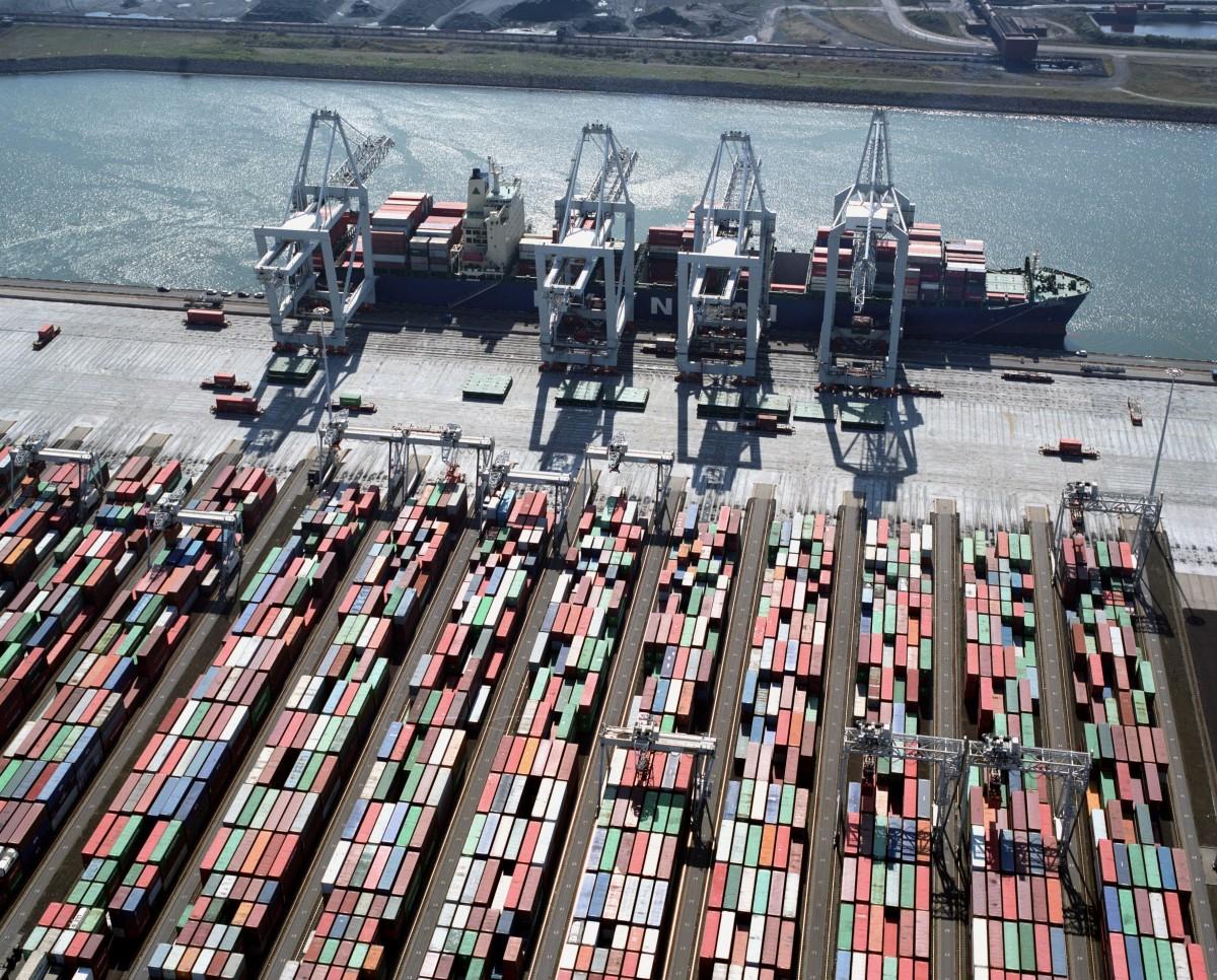Transformación Digital de los Puertos: Los smart ports (4.0), además de inteligentes y conectados,  deber ser más sostenibles y eficientes