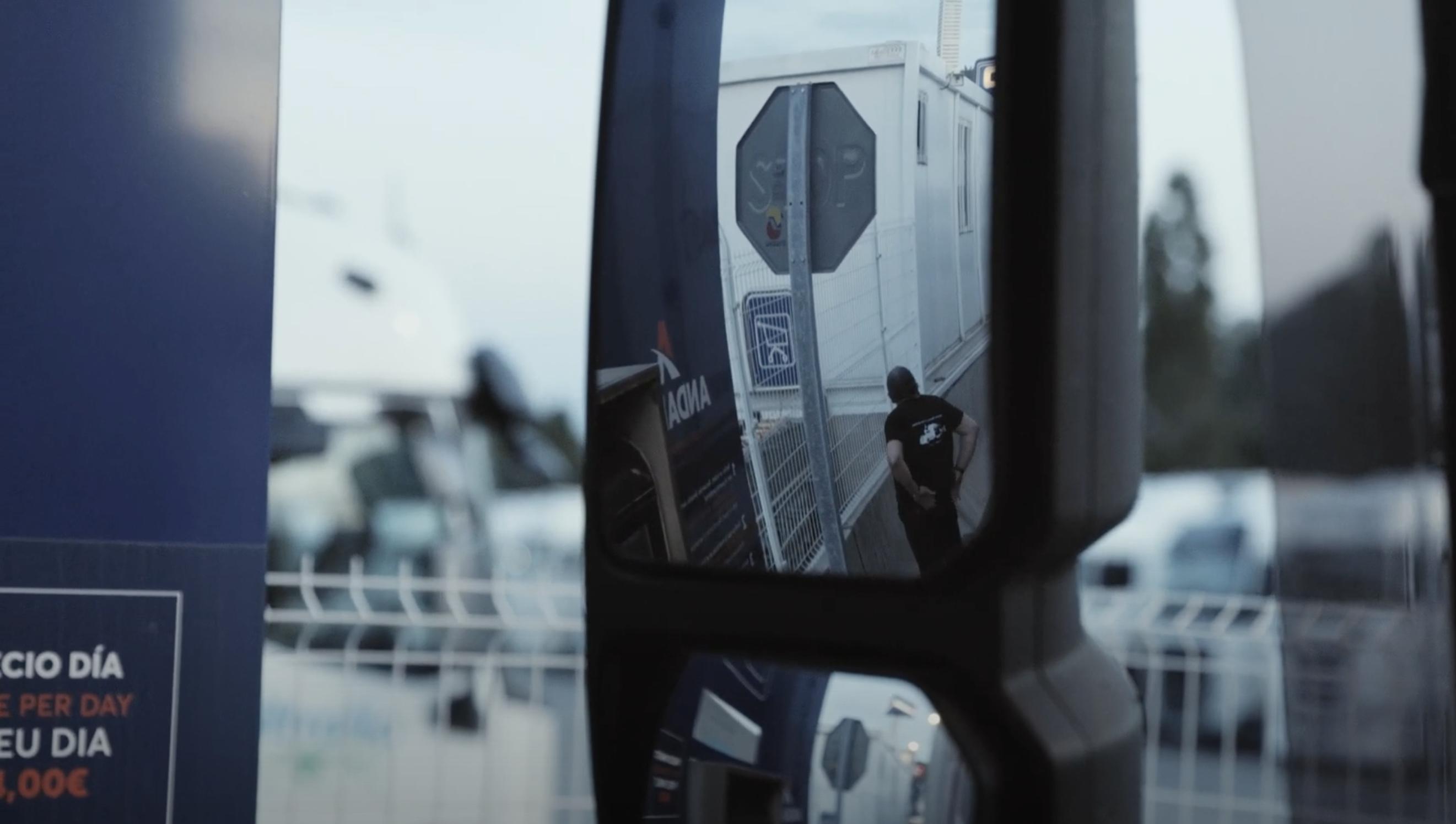 Documental sobre la rutina diaria de un conductor de camión